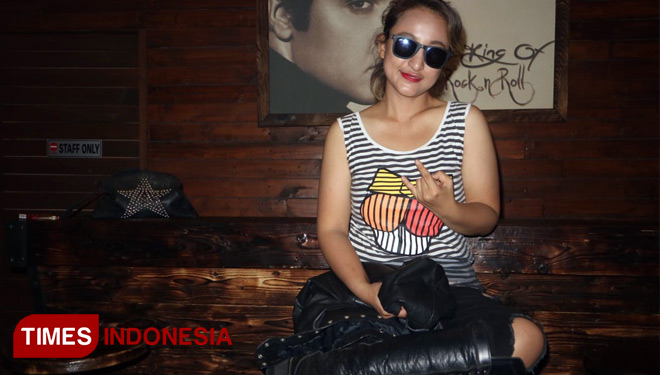 Lady rocker rinada siap tampil all out di rocklaw compilation2 lady rocker rinada foto lely yuana times indonesia reheart Gallery