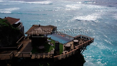The Hidden Paradise under Uluwatu Slope