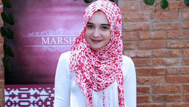 Let's Peek Hijab and Clothes Style of Indonesian Pretty Artist, Zaskiya Sungkar