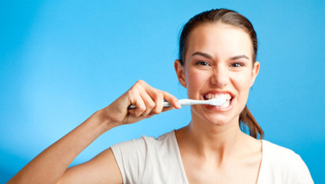 The 3 Ingredients Below can Replace Toothpaste. What are They?