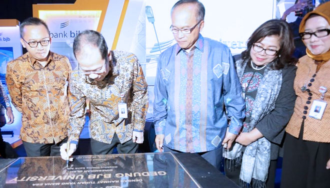 Bank bjb Launching bjb University di Bandung