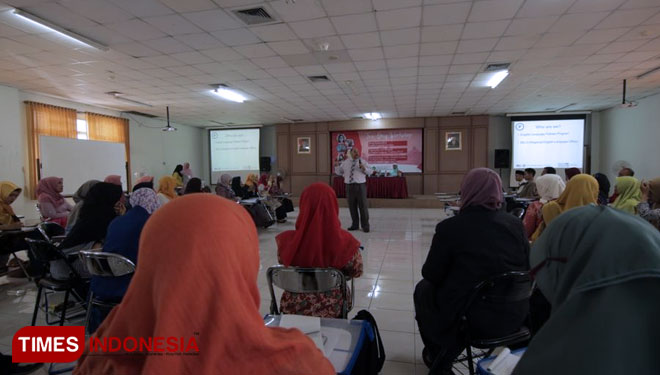 UIN Malang Shares Language Learning Method to Teachers of Madrasah Tsanawiyah in Malang