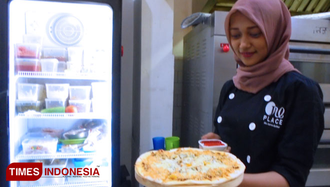 Padukan Rasa Lokal dan Internasional, Pizza Bandeng Menu Favorit di One Place