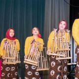 The Mesmerizing Angklung Performance and Batik Fashion Show
