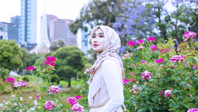 What will Hijab trend look like in 2019? Here's Dian Pelangi's Answer