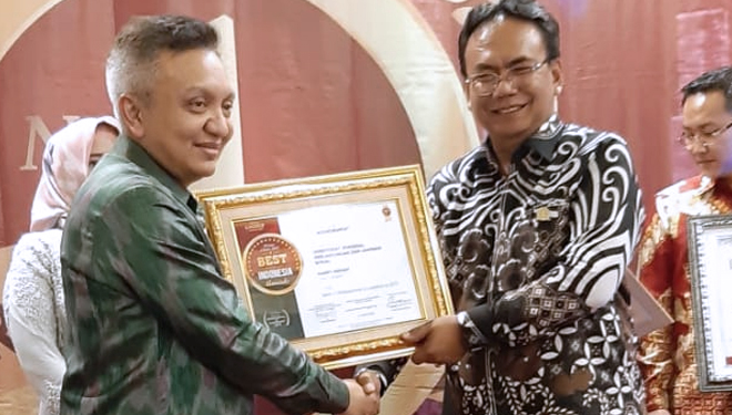 Harry Hikmat Raih Best in Professional & Leadership 2019