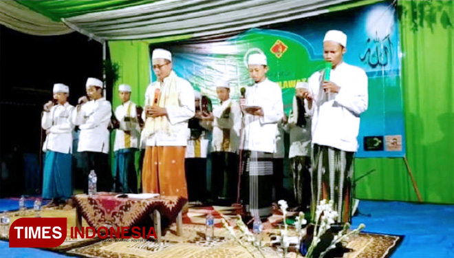 OMJ UIN Malang Holds Community Service to Spend Holiday