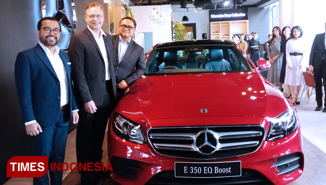 TIMES-Indonesia-Mercedes-Benz-Luncurkan-E-350-EQ-Boost-2.jpg