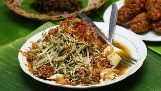 Image result for lontong balap