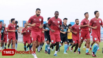 Persela Coach Tinkers The Players to Get The Best Scheme