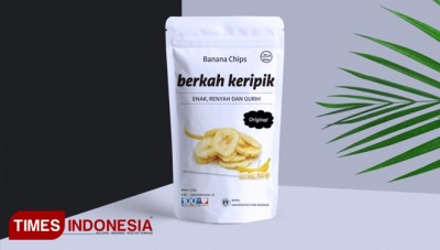 KKN Bina Desa of Unipma Students Created the Packaging for Home Industry Products