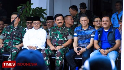 TNI Commander called as Ebese Arek Malang by Aremania
