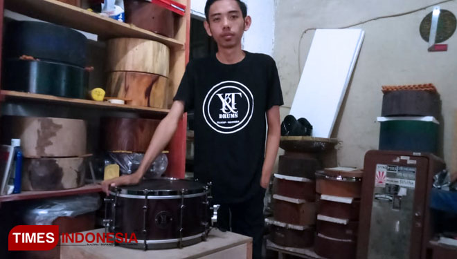 Meet Bahtiar Zulham, an International Drum Maker in Cilacap Indonesia