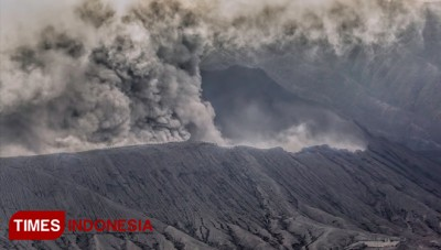 Several Tips to Enjoy Bromo during Eruption