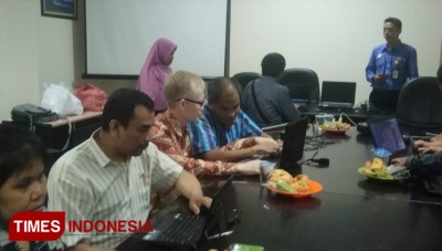Local Government of Batu Teach the Blinds to Use Computer