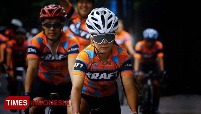 Women-Cycling-Gowes.jpg