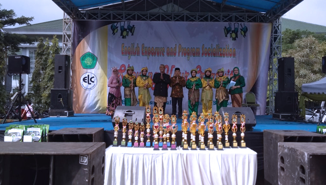 Carnival of Cultures UIN Malang, Exposing Indonesian Culture through English