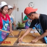 Geti, Typical Sesame Peanut Bars from Blitar which Become more Popular during Ramadhan