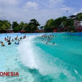 The Sophisticated Artificial Tsunami Wave at Hawai Waterpark Malang Given 5 Stars by iGuides