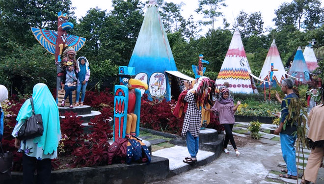 Wow!!! We Got Indian Village in Kediri, Let's Check It Out