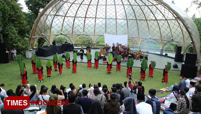 Banyuwangi Held Monthly Gandrung Ballet to Attract more Visitors