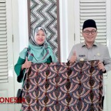 Pamekasan Mayor Fully Support the Batik Enterpreneur to Join the International Batik Exhibition in Tanzania