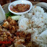 Prepare Yourself, Super Spicy Ayam Geprek Kraksaan will Make You Cry at First Bite