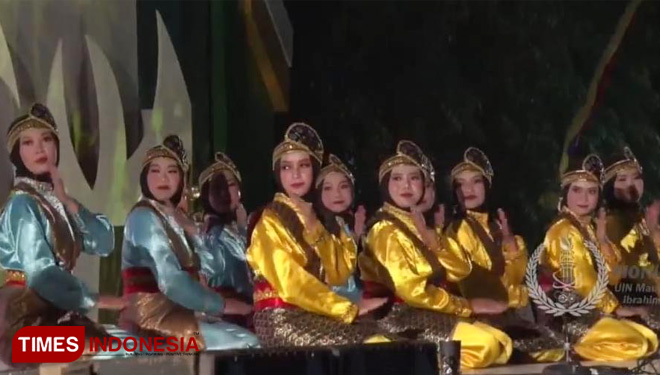 The Remarkable Ratoh Jaroe Dance at the PIONIR IX 2019 of UIN Malang