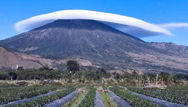 The Exotic and Wonderful Cap of Rinjani Mountain