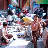 MI Darul Ulum Took Waste for the School Fee