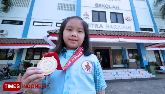 Chloe Lynn Soetanto, a 7 Years Old Girl who Got Gold Medal at the International Mathematics Competition Singapore