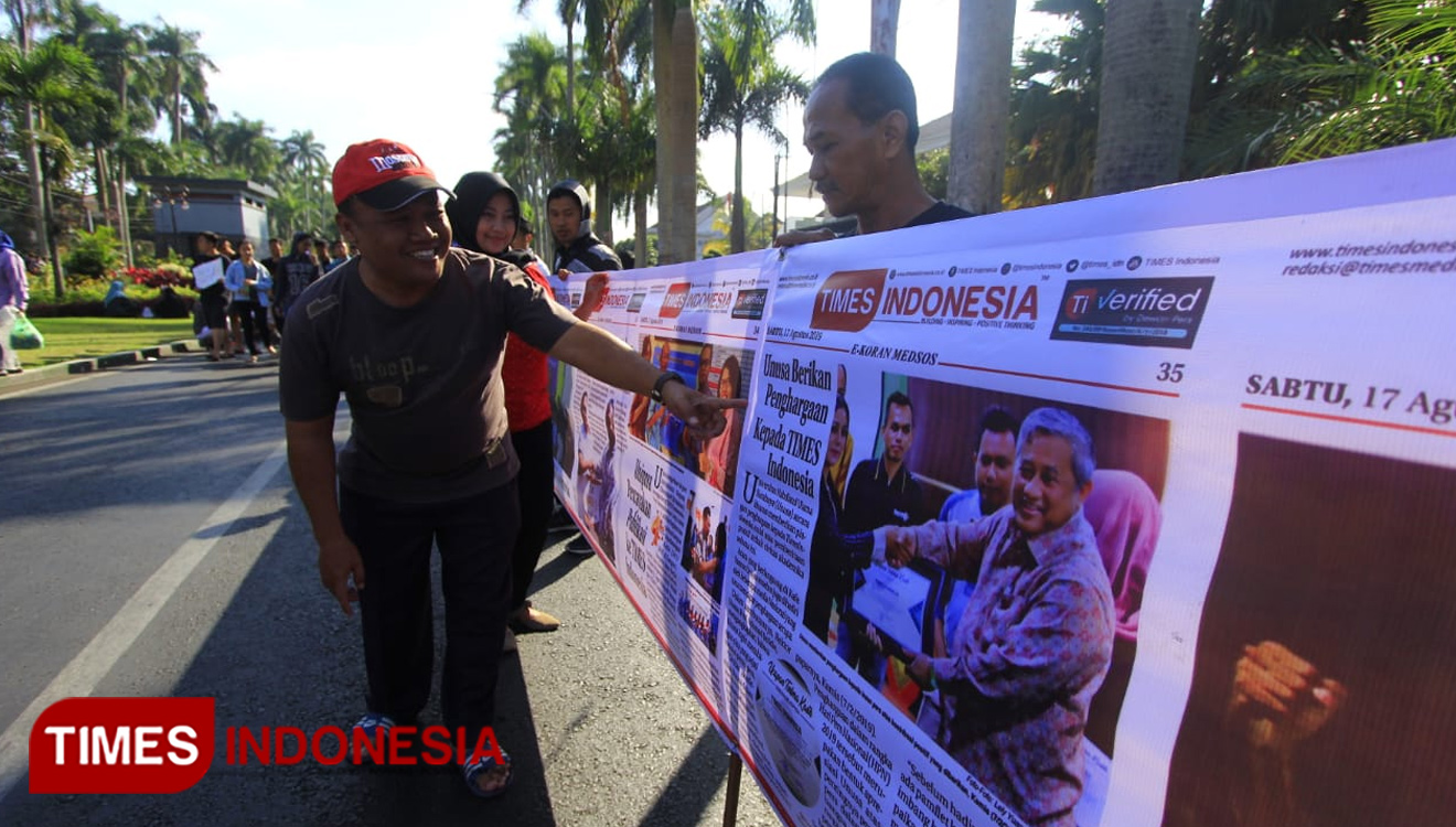 When 74 M Long E-Koran Spanned on Car Free Day Malang, Let's Take a Look