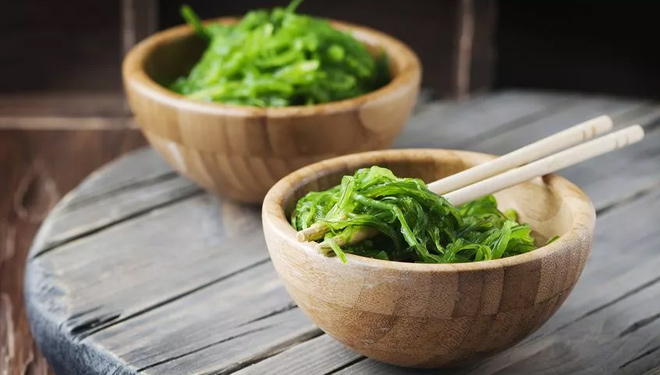 Seaweed is the Anti-Aging Ingredient to Try