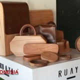 There is an Exotic Wooden Bag Shop in Bantul, Let's Check It Out!!!