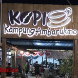 Spend Your Night in Kopi Kampung Ambarukmo Coffee Shop Yogyakarta and Watch the Trains Passing by