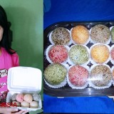 Taste the Beautiful Rainbow Sesame Balls of Mojokerto