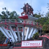 Trisula Monument of Blitar to Commemorate All Heroes that Fought the Communist