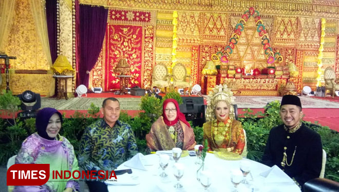 Visit The Gebyar Pernikahan Indonesia and to Get the Acehnese Traditional Way of Wedding