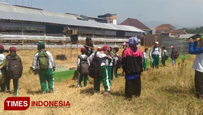 Introduce Alternative Energy Production to Students, SD Al Irsyad Took Interesting Way