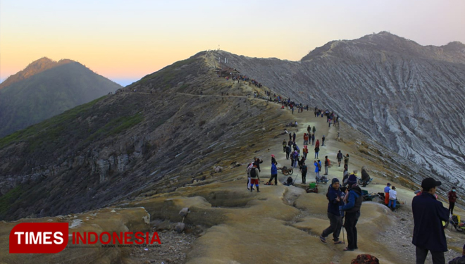 Tourism Industry Back in Town After Ijen Crater Nature Park Reopened