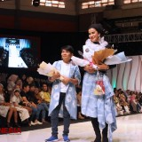 Shibori Fashion by Ayu Ismail and Ulis D'Tambi Captivated the Audience of Malang Fashion Week 2019
