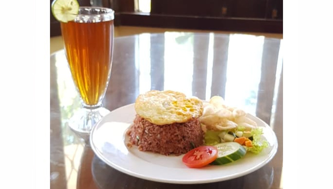 Hotel Ciptaningati: Dutch-Style Restaurant Serving Various Dishes with International Taste