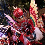 Dozens of Beautiful Dancers Moved Harmoniously at Festival Kuwung Banyuwangi