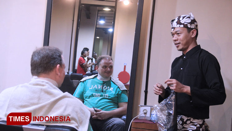 Pullman Barbershop Supports the Malang Heritage on Their 4th Anniversary