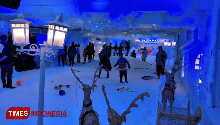 Frozen World Malang Smart Arena When The World Around You Froze Times Singapore