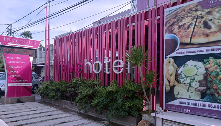 Folks Market at FaveHotel Langko Hotel Mataram where You Can Taste all Delicious Inexpensive Food