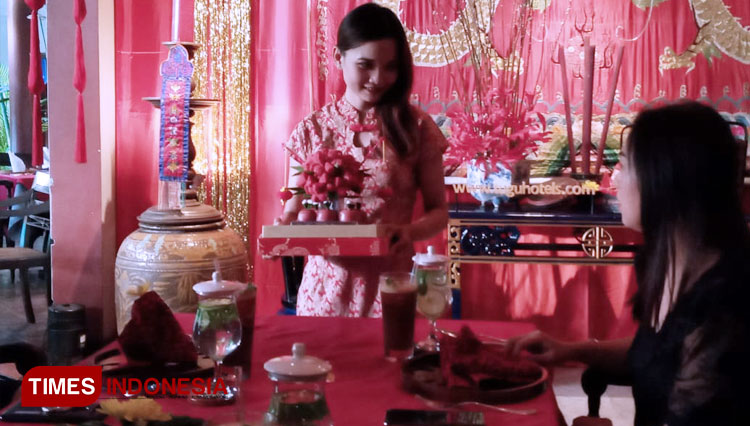 Fried Nian Gao and Yusheng Served at Hotel Tugu Malang to Welcome Chinese New Year
