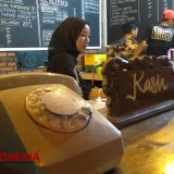 Kafe Joglo Gresik Brings Back the Old Time Concept