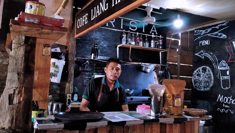 Visit These 4 Recommended Coffee Shops in Taliabu