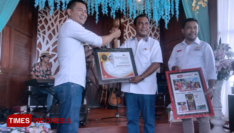 The Mayor of Raja Ampat Achieved Influencer of The Year Award
